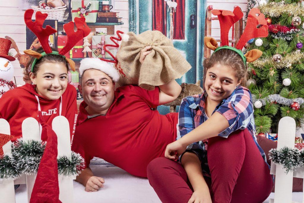 Коледна фотосесия - Семейство Монови